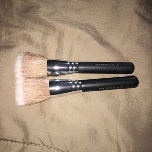 Bare Minerals Feather light brushes
